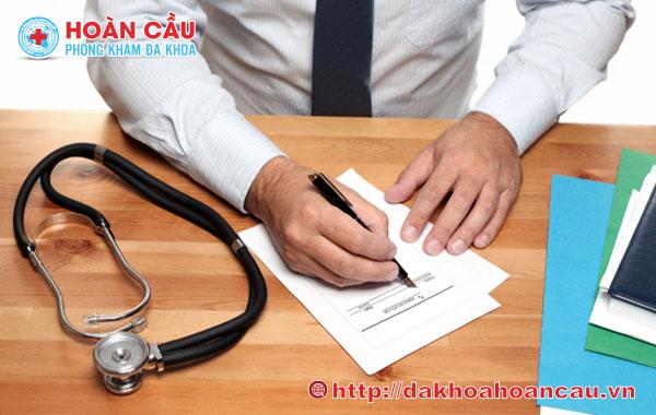 Thăm khám để nhận hỗ trợ từ các bác sĩ chuyên khoa