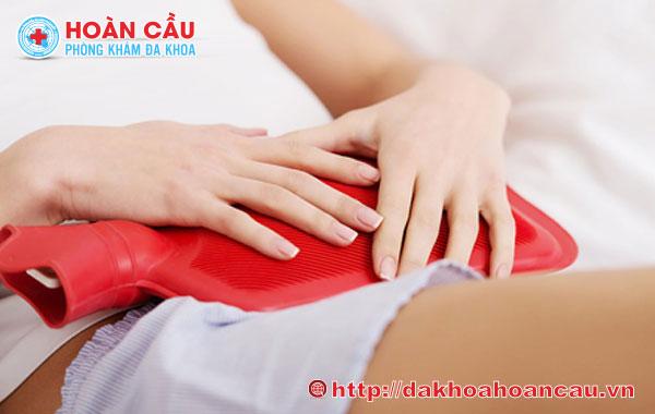Thăm khám chuyên khoa sớm để biết nguyên nhân chảy máu vùng kín