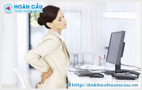 Đau lưng nhức mỏi gây viêm phần phụ ở nữ