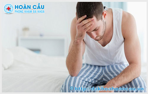 Đau tinh hoàn khi đi tiểu là bệnh gì?