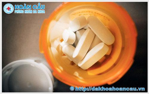 Dùng sai thuốc đặt viêm âm đạo có sao không ?