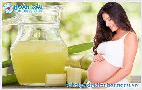 Khi mang thai có nên uống nước mía không?
