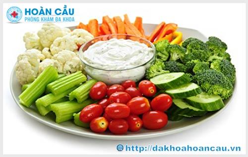 Người bị trĩ nội nên ăn gì và không nên ăn gì?